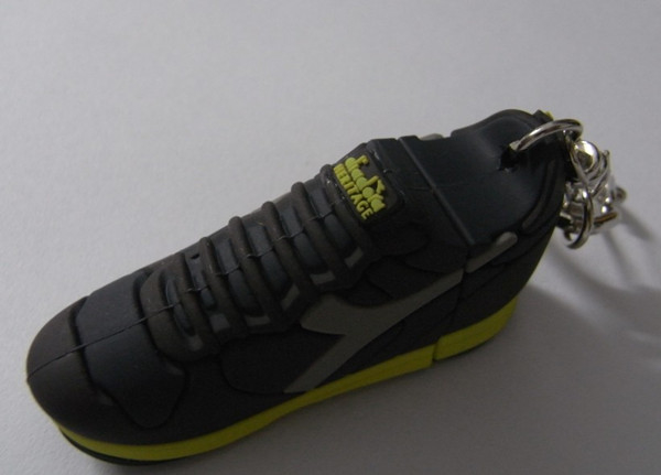 4GB/ 8GB Sport Shoe Shaped USB Keys / Customized Sport shoes USB memory / Pen Drive