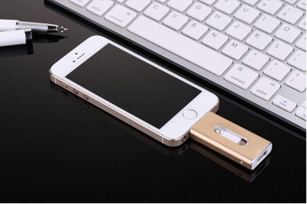 New products 2016 8GB iflash drive mobile phone custom otg usb disk for iphone 5 , PC