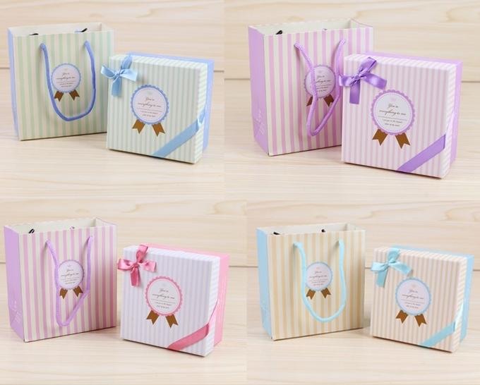 Lovely Birthday Party Gift Bags 250gsm C1S Paper Material For Children