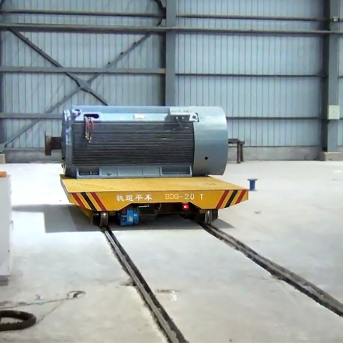 Track powered low voltage rail electric transfer car