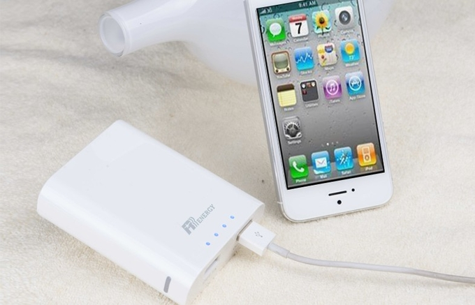 Dual USB White Fast Charging Power Bank 5200mAh For Mobile Phone